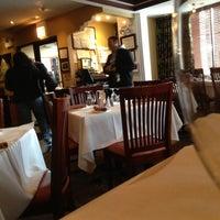 Das Foto wurde bei Chicago Curry House Indian Restaurant von JL J. am 12/8/2012 aufgenommen