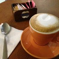 Foto tomada en Chikita Café por Chikita C. el 2/13/2013