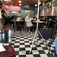 Das Foto wurde bei Bar Genial von Livia C. am 12/6/2012 aufgenommen