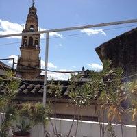 Foto tomada en Séneca Hostel por Ceren el 3/30/2013