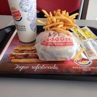 รูปภาพถ่ายที่ Burger King โดย Matu F. เมื่อ 9/20/2013