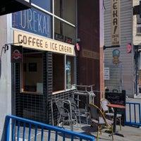 Foto tomada en Eureka! Cafe at 451 Castro Street por Jeff L. el 8/11/2016