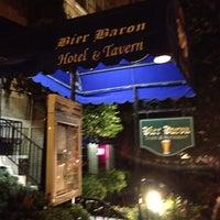 10/11/2013 tarihinde Lenny M.ziyaretçi tarafından Bier Baron Tavern'de çekilen fotoğraf