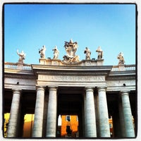 Foto diambil di Piazza San Pietro oleh Dimitri V. pada 5/2/2013
