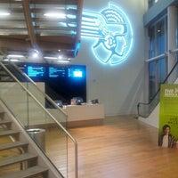 10/16/2012にJordan R.がAngelika Film Center at Mosaicで撮った写真