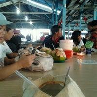 Снимок сделан в Kelong Restaurant Aneka Rasa пользователем Muyee Z. 5/12/2013