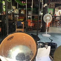 Foto diambil di Popol Vuh Restaurante oleh Pepe Y. pada 8/6/2016