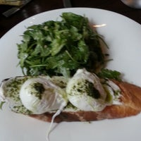 Das Foto wurde bei Argent Restaurant & Raw Bar von Missy W. am 6/2/2013 aufgenommen