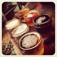 Foto tomada en Moxy American Tapas Restaurant por Steve N. el 7/28/2013
