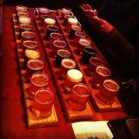 Foto tomada en Portsmouth Brewery por Steve N. el 2/23/2013