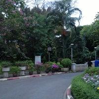 Das Foto wurde bei Thonburirom Park von maew k. am 12/22/2012 aufgenommen
