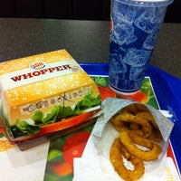 Das Foto wurde bei Burger King von P. W. am 1/15/2014 aufgenommen