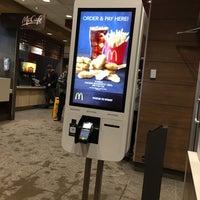 Снимок сделан в McDonald's пользователем Michael H. 1/30/2018
