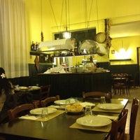 Foto tomada en La Cantina di Via Firenze por Roberto B. el 10/26/2012