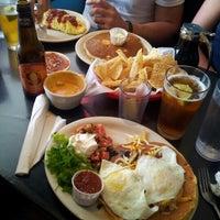 Foto tomada en Magnolia Cafe por Joe M. el 10/12/2012