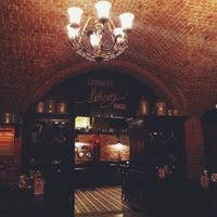 Foto diambil di Tap&Barrel Pub oleh Dmitry K. pada 1/6/2015