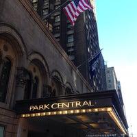 รูปภาพถ่ายที่ Park Central Hotel New York โดย Marcel S. เมื่อ 10/18/2013