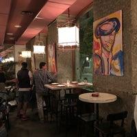 Das Foto wurde bei a.n.E.l. Tapas & Lounge Bar von EstrellaSinMich am 10/28/2017 aufgenommen
