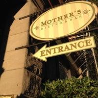 Foto tirada no(a) Mother's Bistro & Bar por Kim J. em 10/4/2012