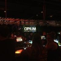 Foto tirada no(a) Opium por HeMoShA C. em 6/8/2013