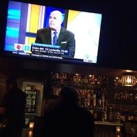 2/9/2016 tarihinde Nic B.ziyaretçi tarafından Blue Wave Bar & Grill'de çekilen fotoğraf