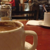 Foto tomada en Café de Carlo por Lorena R. el 12/4/2012