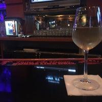 Foto scattata a Nick's Taverna da J C. il 7/25/2017