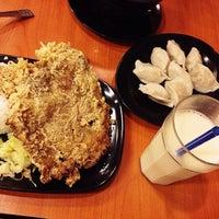 Снимок сделан в Tasty Dumplings пользователем Winslyn Reech G. 8/28/2014