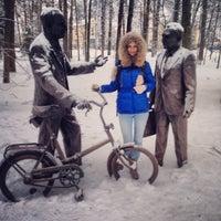 Снимок сделан в аллея высоцкого пользователем Andrey B. 12/8/2013