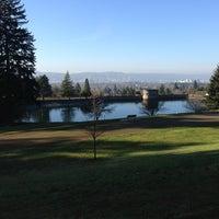 1/17/2013 tarihinde Liz M.ziyaretçi tarafından Mt. Tabor Park'de çekilen fotoğraf