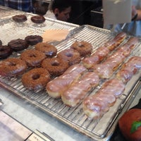 Photo prise au Sidecar Doughnuts & Coffee par Agiimaa K. le12/14/2015