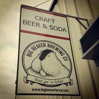 Foto tirada no(a) Big Beaver Brewing Co por Chad K. em 7/13/2013