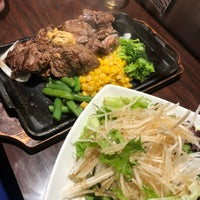 Foto diambil di Ikinari Steak oleh Chelle . pada 6/2/2018