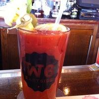 2/23/2013 tarihinde Alicia W.ziyaretçi tarafından Ward 6 Food & Drink'de çekilen fotoğraf