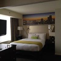 3/7/2014 tarihinde Lauren D.ziyaretçi tarafından MileNorth, A Chicago Hotel'de çekilen fotoğraf