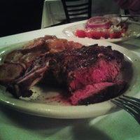 Foto tomada en Bob's Steak & Chop House por Juan R. el 6/30/2013