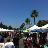 6/9/2013 tarihinde David M.ziyaretçi tarafından Studio City Farmers Market'de çekilen fotoğraf
