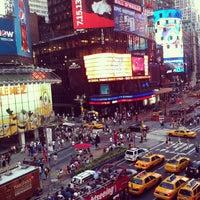 Foto scattata a Times Square da Gabriel M. il 7/11/2013