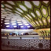 Das Foto wurde bei Abu Dhabi International Airport (AUH) von Diana P. am 1/5/2013 aufgenommen