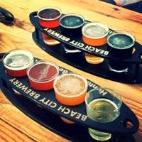 6/21/2014 tarihinde Steven F.ziyaretçi tarafından Beach City Brewery'de çekilen fotoğraf