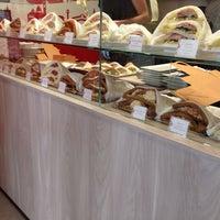 6/8/2014에 Silvia M.님이 Tramé - Original Venetian Sandwiches에서 찍은 사진