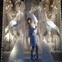 Снимок сделан в Bergdorf Goodman пользователем Mary Alice L. 12/7/2012