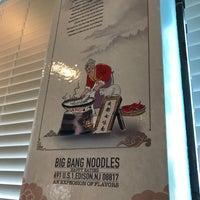 Foto tirada no(a) Happy Eating: Big Bang Noodles por TJ H. em 7/1/2018