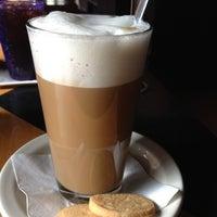 Photo prise au Empire Cafe par Yael le12/3/2012