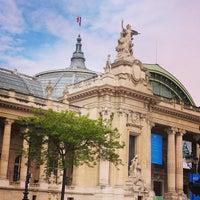Foto tirada no(a) Grand Palais por Belle Beth C. em 5/26/2013