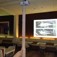 รูปภาพถ่ายที่ Carmelitas โดย Mark B. เมื่อ 11/7/2012