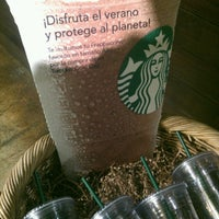2/17/2013 tarihinde Erikziyaretçi tarafından Starbucks Coffee'de çekilen fotoğraf