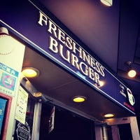 Foto tomada en Freshness Burger por Ryo N. el 11/2/2012