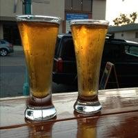 Foto scattata a Belching Beaver Brewery Tasting Room da Stephanie H. il 5/19/2013