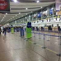 Foto tomada en Aeropuerto Internacional Comodoro Arturo Merino Benítez (SCL) por Benjamín R. el 9/15/2012